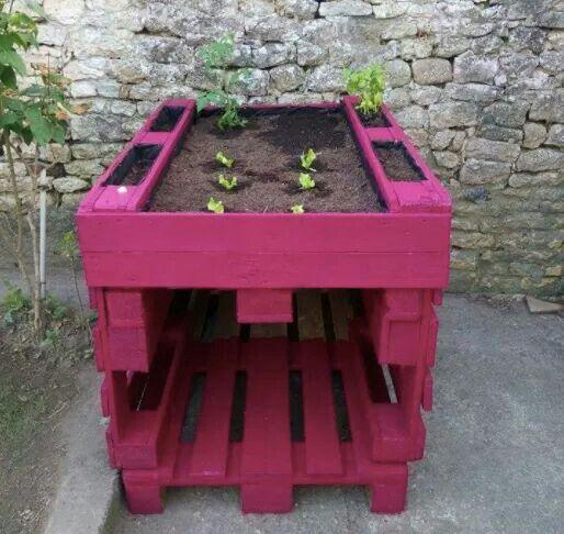 Jardinière haute en palettes... ...
