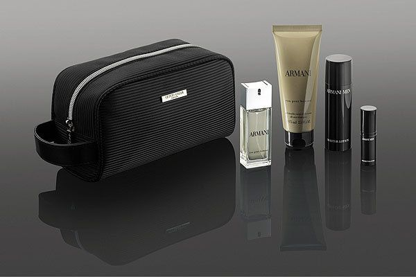 Qatar Airways, in partnership with Giorgio Armani, has launched its newly designed range of luxurious Giorgio Armani Fragrances and Beauty amenity kits, available to First Class passengers on select A380 flights. Designed exclusively for Qatar Airways, the First Class amenity kits are designed in timeless black, the signature colour of Giorgio Armani, and feature golden accents reflecting the latest Giorgio Armani Fall-Winter 2016-2017 collection.