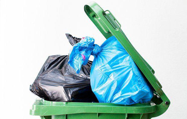 Sådan undgår du at affaldet lugter i sommervarmen