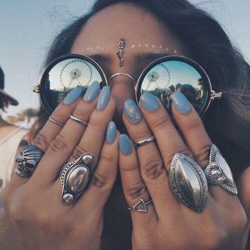 silver | blue | nails | sunglasses | midi rings | spots | jewels