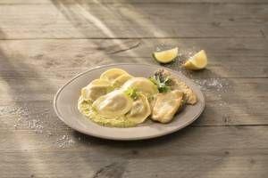 Tortelli Antipasti di Verdura mit Knoblauch und Zitrone  Einfach köstlich. Die Tortelli mit Knoblauch und erfrischender Zitrone stehen in 15 Minuten auf dem Tisch. Buon appetito!