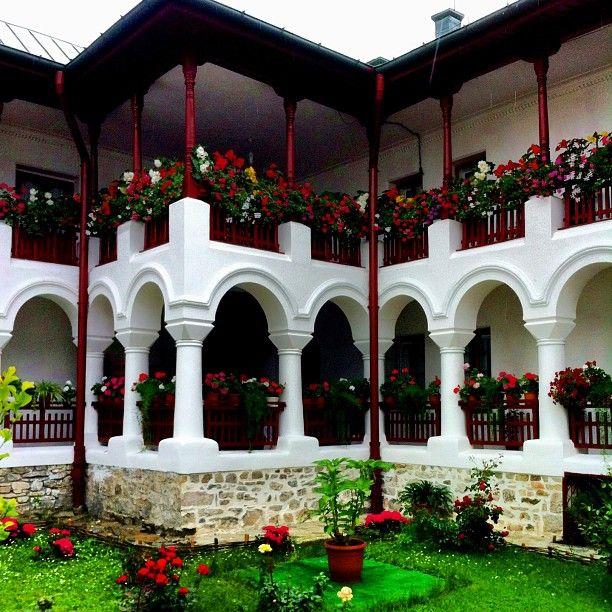 #agapia #manastireaagapia #neamt #romania #roumanie #romaniamagica #moldova #iphoneonly