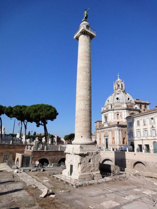 Roma, ColonnaTraiana, ca 110-113 d.C. Opera di Apollodoro di Damasco. Marmo, altezza 39,86 m, diametro 3,83 m. Foro Traiano