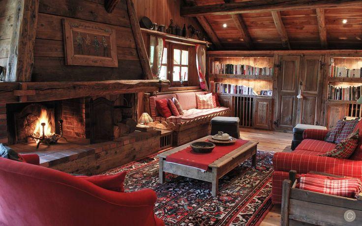 chalet de charme cosy et luxueux serre chevalier ici le salon avec chemin e charming cosy. Black Bedroom Furniture Sets. Home Design Ideas