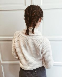 The Best Plaits On Instagram #refinery29  http://www.refinery29.uk/plaits-hair-instagram-hairstyles#slide-15  Blogger Mailili Sasabon proves that boxer braids looks just as good on short hair as they do long. Now where did we put those scissors? ...