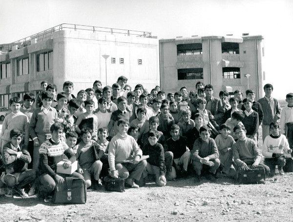 «Altair ha sido un milagro desde su primer día»  El colegio Altair (Sevilla, España) ha sido un milagro desde su primer día cuando se abrió en un descampado, antiguo olivar y pasto de vacas. Los primeros alumnos de Altair –y especialmente sus familias– fueron protagonistas de una aventura, que ahora cumple 50 años.