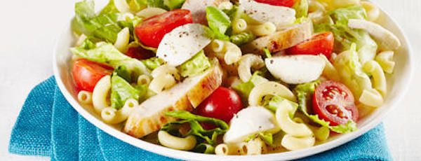 Salade César au Poulet de type Macaroni au Fromage