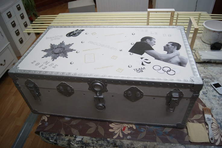 Robert McCracken and Carl Froch featuring on a very large memory box recycle reuse upcycle