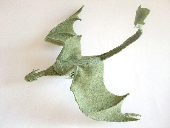 Plush Poseable Dragon PATTERN (PDF) http://ldhenson.livejournal.com/259846.html