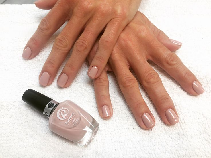 Nail Dress is the extraordinary professional nail Polish with unique characteristics . For orders: 310-977-9799 # durable #nailpolish #robynails#professionals #bestprodoct #italy #santamonica #eve #nailsalon #nailspa #nailart #nailpro #nailpolish #robynails