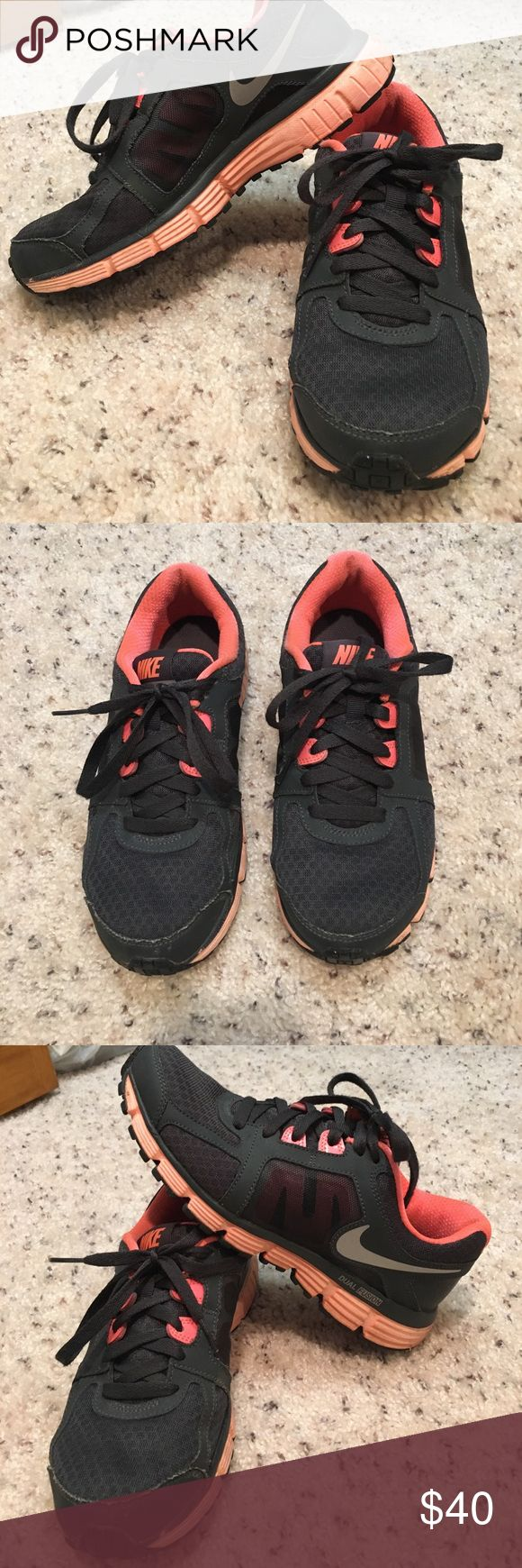 Nike dual fusion Slightly dirty but in great shape! Black and salmon colored Shoes Sneakers