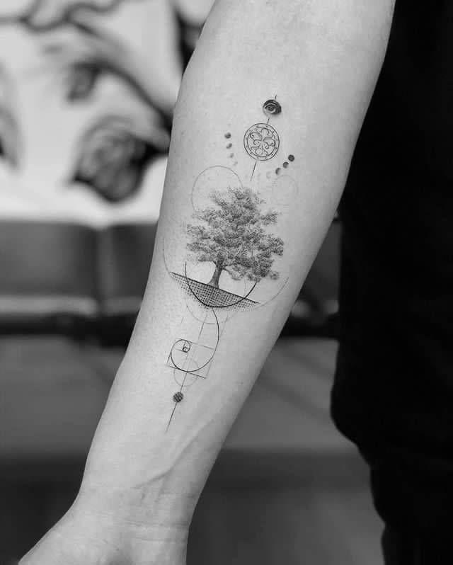 Golden Ratio Tatuaje De Arbol Para Hombres Tatuaje Del Arbol De La Vida Tatuaje Arbol De La Vida