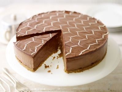 Receta | Tarta de queso y chocolate sobre galleta (Chocolate cheesecake with white chocolate icing ) - canalcocina.es