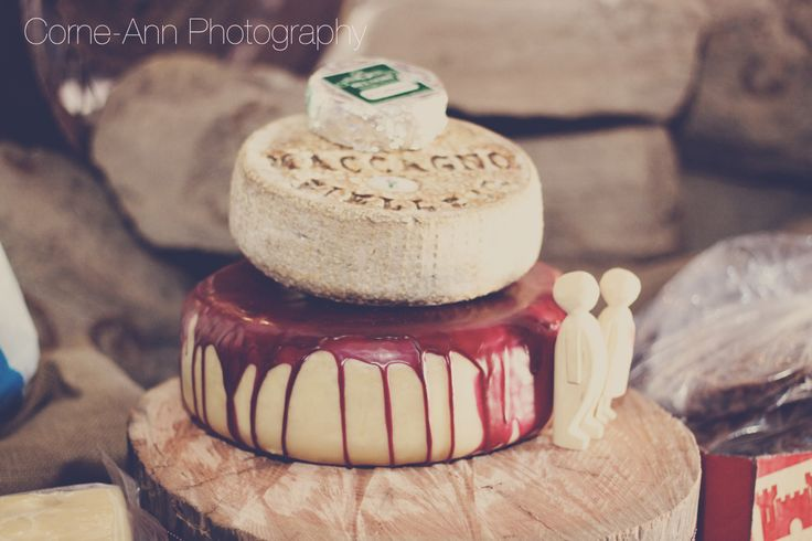 wedding cake cheese http://corneannphotography.wix.com/corneannphotography