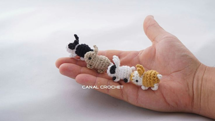Mini conejitos tutorial en YouTube.  CANAL CROCHET.