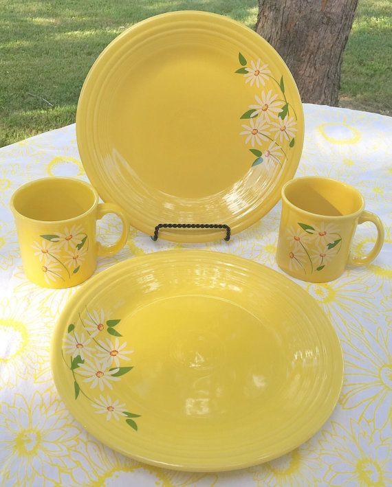 Fiesta® Sunflower Dinner Plate Luncheon Plate and Java Mugs with white daisies. Made & 331 best FiestaZilla images on Pinterest | Dinnerware Homer ...