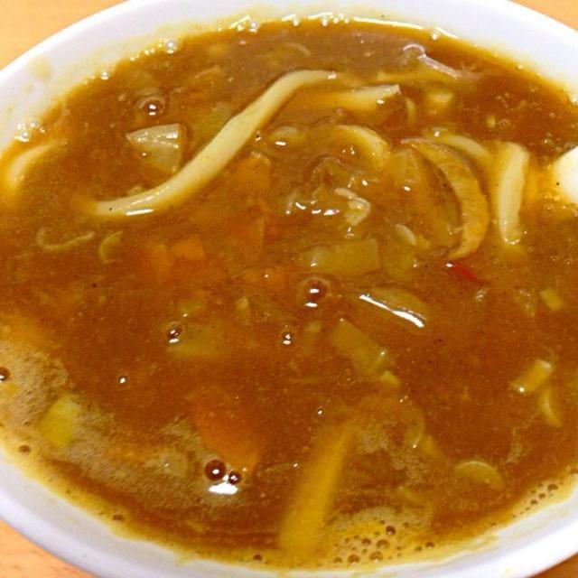 残り物の野菜スープにカレールーと鰹出汁、水溶き片栗粉を入れてカレーうどんにしました。自画自賛したい美味さでした。 - 12件のもぐもぐ - カレーうどん by TonyYamada