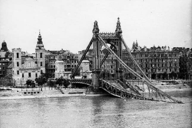 Budapest after the aerial bombardment in the second world war and today