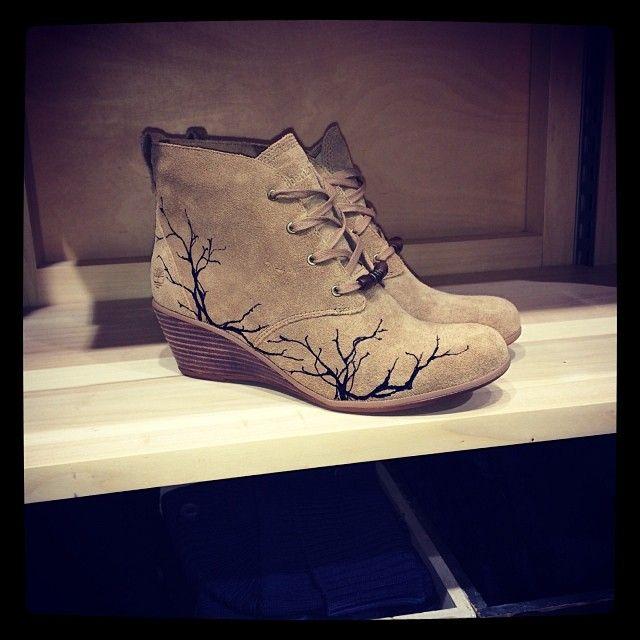 #chaussures #timberland #talons #femme customisées par meaghan matthews @TIMBERLAND SHOP NANTES #style #fashion #art #design #shoes #heels #women #tbl40...