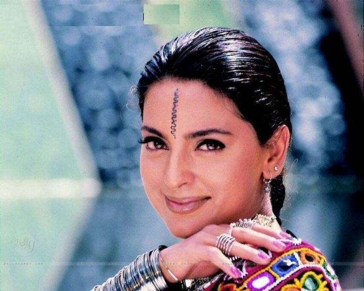 cool Bollywood Actress Juhi Chawla Hot Wallpapers Stills