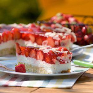 Erdbeeren isst Claudia Hintemann aus Legden-Beikelort im Kreis Borken besonders gern. Deshalb bereitet sie zur Sommerzeit immer diese Erdbeetorte mit...