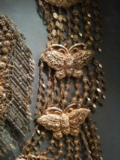 Wedding jewelry of the Peranakan culture. Beautiful!