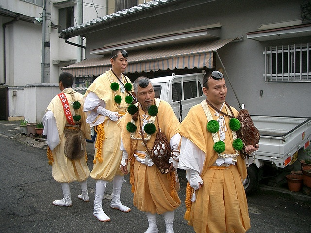 4 yamabushi waiting for the parade to start by akaitori, via Flickr