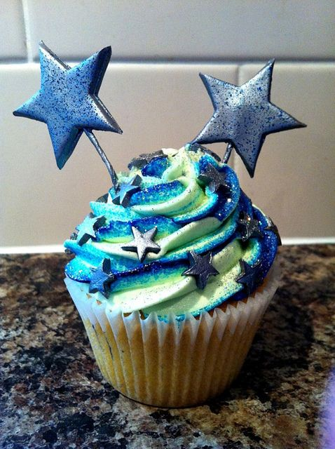 Star Cupcakes | Blue Swirl Star Cupcake « The Cupcake Blog