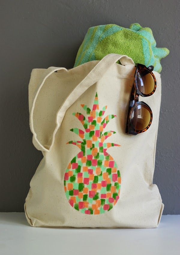 DIY Painted Pineapple Tote Bag made with Cricut Explore -- Oleander and Palm. #DesignSpaceStar Round 2