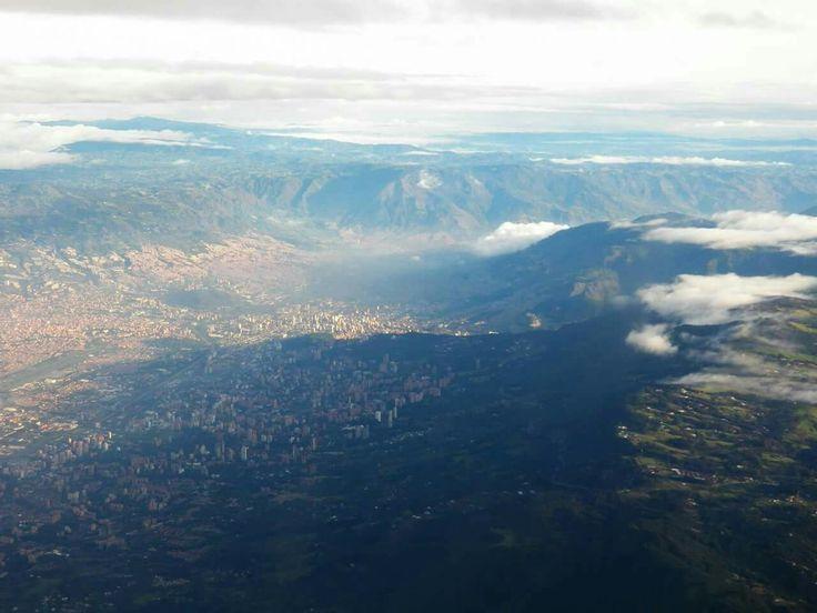 Valle de Aburrá visto desde el aire.