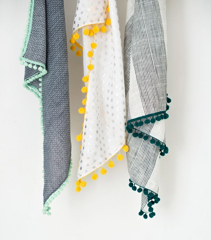 Lotta Jansdotter Triangle Scarf: Easy How-To Excerpt from Lotta Jansdotter's Everyday Style + GIVEAWAY | Sew Mama Sew | Outstanding sewing, quilting, and needlework tutorials since 2005.