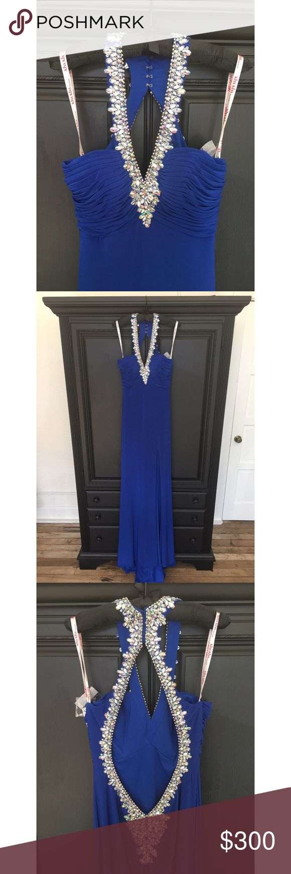 "Royal blue prom dress Beautiful halter royal blue prom dress whom can also be used for a pageant or a special event🖤 brand is ""kiss kiss by Mary's not Sherri Hill"" price will be only for 🅿️🅿️ 380 if you want to make the transaction on posh. Sherri Hill Dresses Prom"