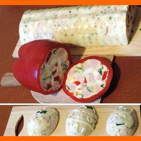 Vaječná tlačenka (Biela saláma) Zeleninová saláma by možno znela lepšie, Ale je tam aj trošku mäsa (nemusí byť), tak jet to recept na bielu salámu. Ingrediencie 400 g sterilizovanej zeleniny najideálnejšie BONDUELE 5-8 menších uvarených mrkiev uvarených v bujóne 4 dl vývaru môže byť aj bujón 2 malé sáčky práškovej želatiny 400 g tatarskej omáčky …