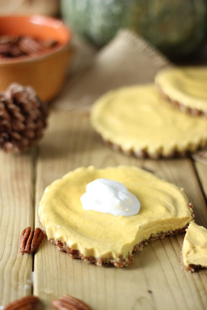 Raw #Vegan Pumpkin Cheesecake Recipe with a pecan crust.