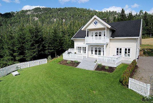 beautiful Norwegian home: fotballfrue