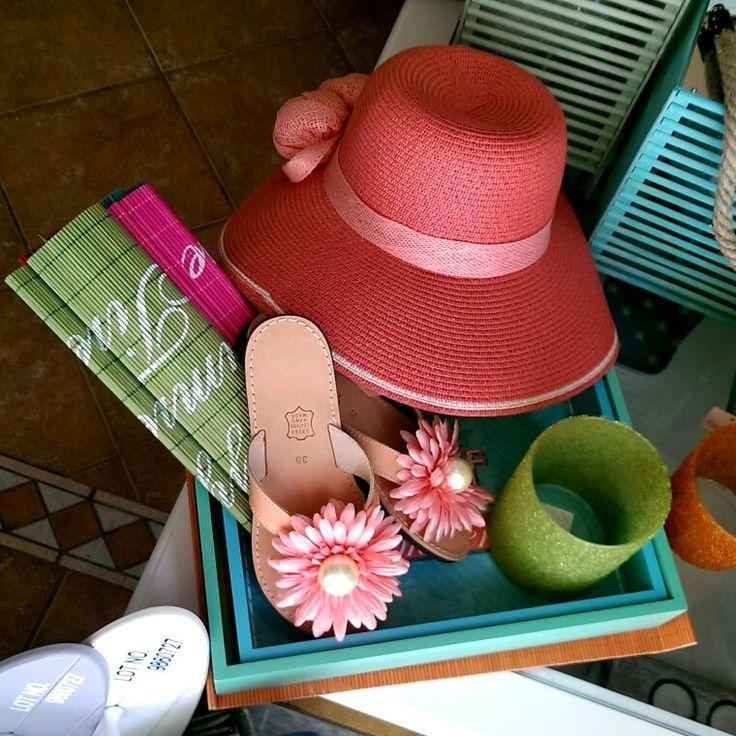 Καπέλο  *20 ευρώ | Σαγιονάρα  *55 ευρώ κατάστημα mánia, Πυλαρινού 37, Κόρινθος https://www.facebook.com/mania.korinthos #mániashop #Korinthos #Summer #beach #hat #kapelo #sayonara #accessories #ss15 #giftideas #fashionisagame