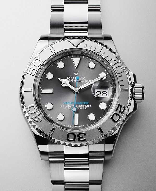 Rolex Yacht-Master 40 in 904L steel with a rotatable graduated bezel in platinum, dark rhodium dial and Oyster bracelet.