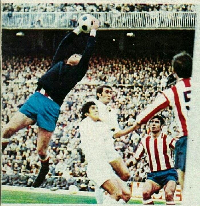Castro (Atletico Madrid) contro il Real.