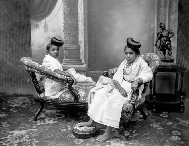 Rani Sethu Parvathi Bayi and Rani Sethu Lakshmi Bayi of Travancore, Kerala. Unknown photographer, undated. Courtesy B Jayachandran/Tasveer