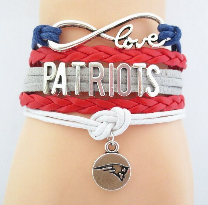 Love New England Patriots, or give to a fellow PATS fan great Christmas Holiday gift.  Bracelet is PATS team colors Blue Red Silver White, includes 3 pieces.