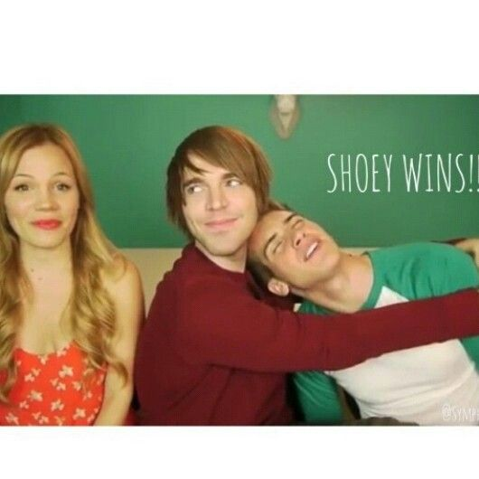 CONTEST BETWEEN MY OTHER FAVORITE YOUTUBER JOEY AND SHANES GIRLFRIEND LISA ITS WHO EVER KNOWS HIM MORE! SHOEY WINS!