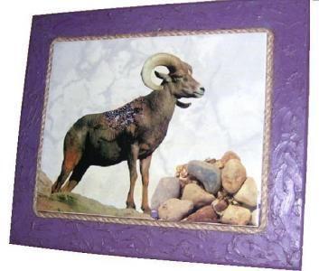 CLAF - Original Cuadro Cabra (COD 530 - Cuadro) En madera MDF. Diseño sobre cerámica. Medidas: 28 x 33 cm Precio: $ 4.000 www.claf.cl