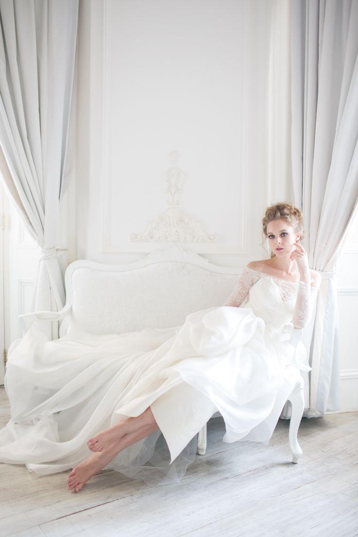 Seadragon gown from Vivian Luk's White Collection #vivianluk #vivianlukatelier #white #bridal