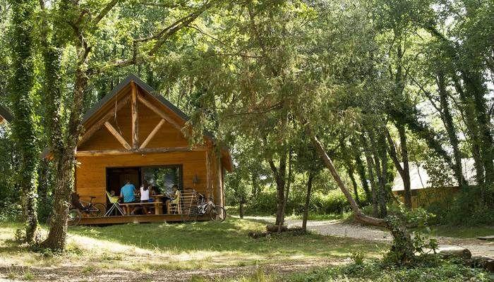 Cabane du Village Huttopia Sud Ardèche *** – Vagnas (Ardèche)