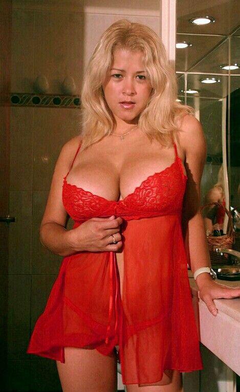Cynthia Romero - red night dress