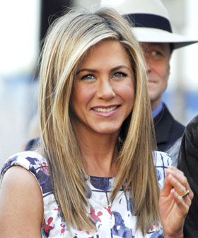 Layered Hairstyles-Flattering Cuts For All Face Shapes - Jennifer Aniston