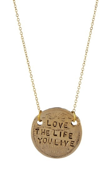 Just got this <3 and I love it: Love Necklaces, Fashion, Faces, Pendants Necklaces, Birds Necklaces, Crowns Jewels, Jewelry, Just Love, Accessories A Girls