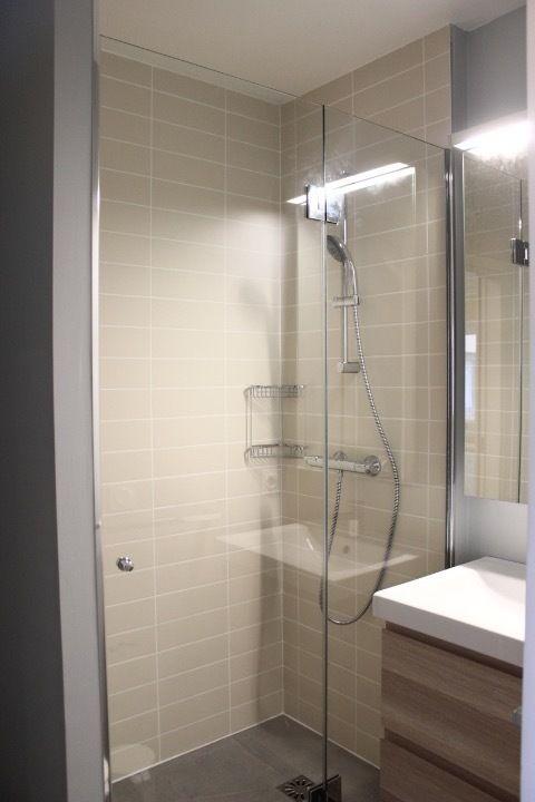 les 25 meilleures id es concernant douche sur mesure sur pinterest douche salle de bains. Black Bedroom Furniture Sets. Home Design Ideas