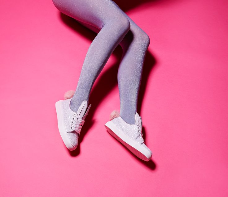 Bunny Sneaks's little sister is shining bright in silver glitter - what a perfect way to welcome the weekend. Wiggle your tail and amp up the fun! Minna Parikka's Tail Sneaks in silver glitter.