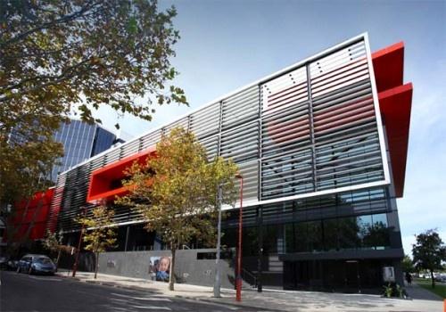 Modern Office Building of 2 Victoria Avenue in Perth. 2
